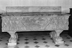 The Alcestis Sarcophagus at Saint Aignan: a New Interpretation 1 Sonia Mucznik T he Alcestis sarcophagus at the Chateau of Saint Aignan, like most Alcestis sarcophagi, is composed of three scenes
