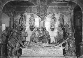 Fig. 2: Bourges, Cathedral of Saint Étienne crypt, Entombment.