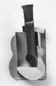 Fig. 1: Picasso, Guitar (maquette), 1912, Cardboard and string, 66 x 33.7 x 19.3 cm, MOMA, New York. when fragments of several objects were scattered about the painting.