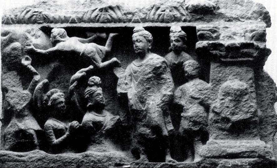 VAJRAP#*I IN THE NARRATIVE RELIEFS shores are sprouting ames (Bombay, Prince of Wales Museum, no 17, ill ie Foucher 1905-51, gure 274; Moti Chandra 1974, gure 35).