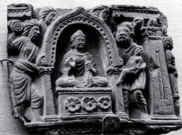 In a relief from Calcutta it is possible to identify the person throwing the stone, despite a poor state of preservation of this piece this is #$avika (relief from Jamalgarhi, Indian Museum, no G 21