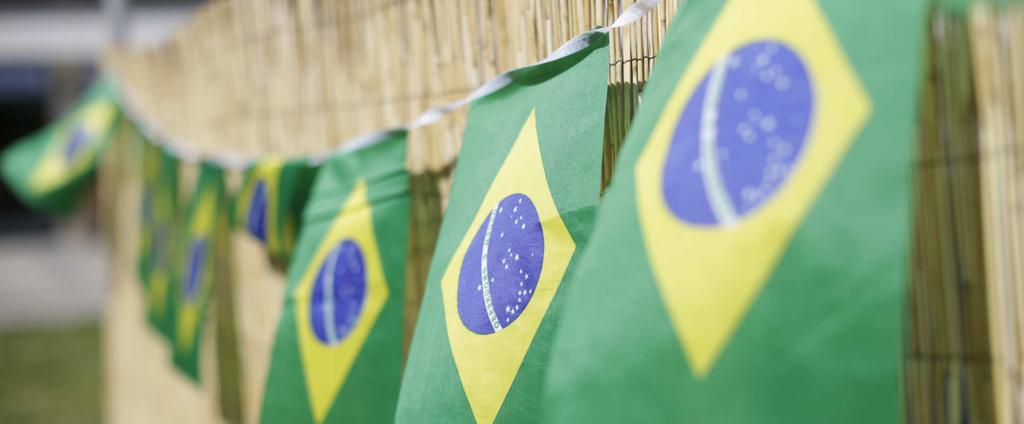 ARTICLES: Brazil s Pentecostal and charismatic missions target Brazilian diaspora, Europe There are probably 3,000 Brazilian Protestant missionaries abroad, mostly Pentecostal, and 90 percent of them