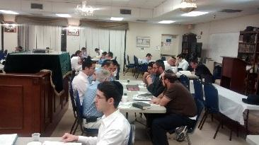 and women on inyonei Pesach. At 9:15 pm Rav Zweig will give an advanced Chabura for men.