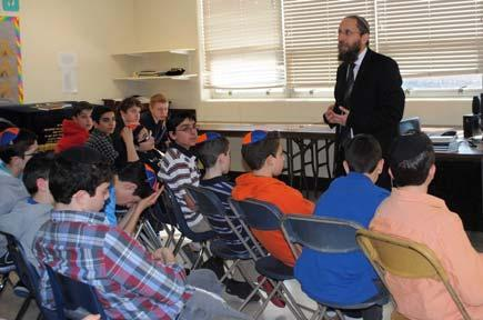 HILLEL TORAH Highlights NORTH SUBURBAN DAY SCHOOL כ ו אדר, תשע ג פרשת ויקהל-פקודי הדלקת נרות : 5:29 Lighting: March,8 2013 Vayakhel-Pekudei Candle Upcoming Events A Message from the Principal בס ד