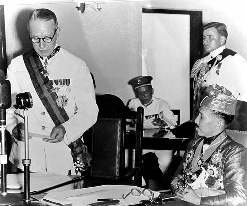 35. Sir Robert Scott, the UK Commissioner-General in Southeast Asia and HH Sultan Haji Omar Ali