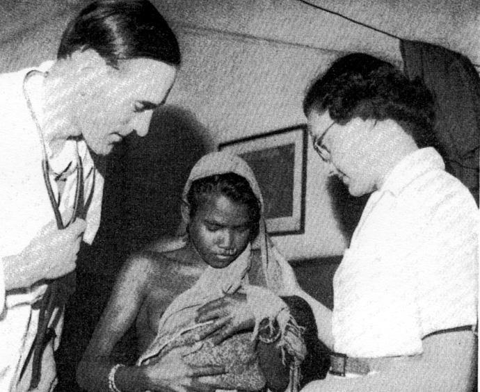 David Hardiman Figure 1.10 An anxious mother brings her baby to St Luke s Hospital, Hiranpur. Here Dr Bryan Thompson and nurse Mary Draper try to find out what s wrong.