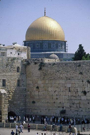 View of the Dome of the Rock Above the Western Wall (photo: Bill Briare, CC: BY-NC-ND 2.