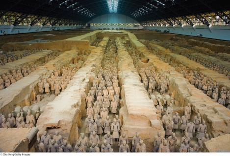 5.22 Army of Shihuangdi (First Emperor) in pits next to his burial mound, ca 210 B.C.E. (Qin dynasty). Painted terracotta, average figure height: 71 (180.34 cm).