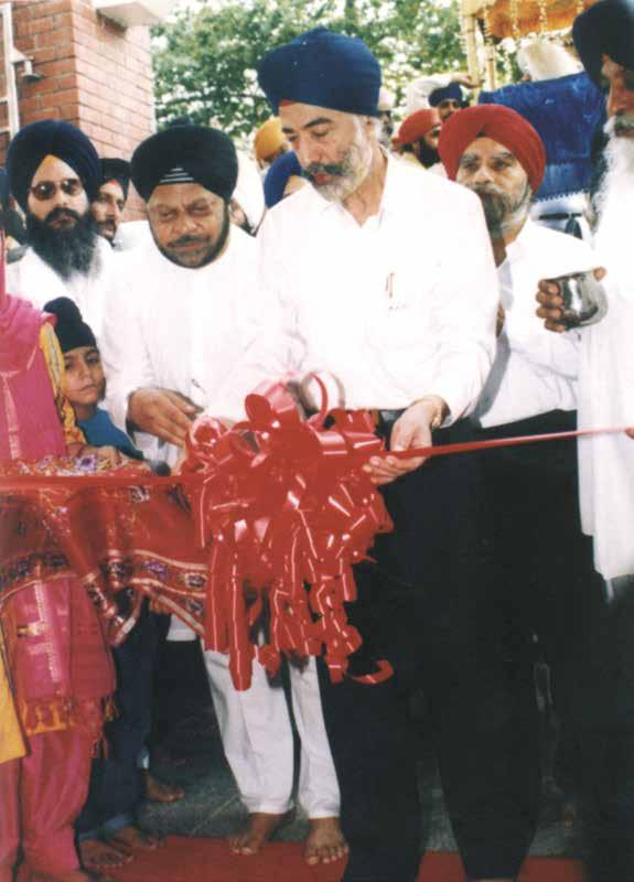 Kartar Singh Thakral doing the honours at the Official Opening of Gurdwara