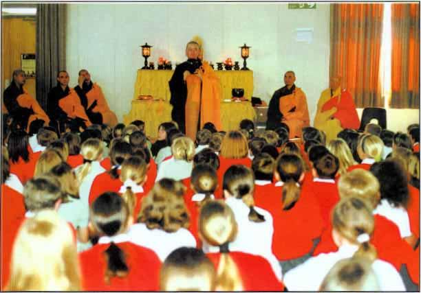 The Dharma The main teachings of the Buddha are: Do NOT Do Bad Do Good Keep Your Mind Clean Monks & nuns from Fa Yue Buddhist Monastery, in Birmingham (UK), are teaching Dharma to school children.