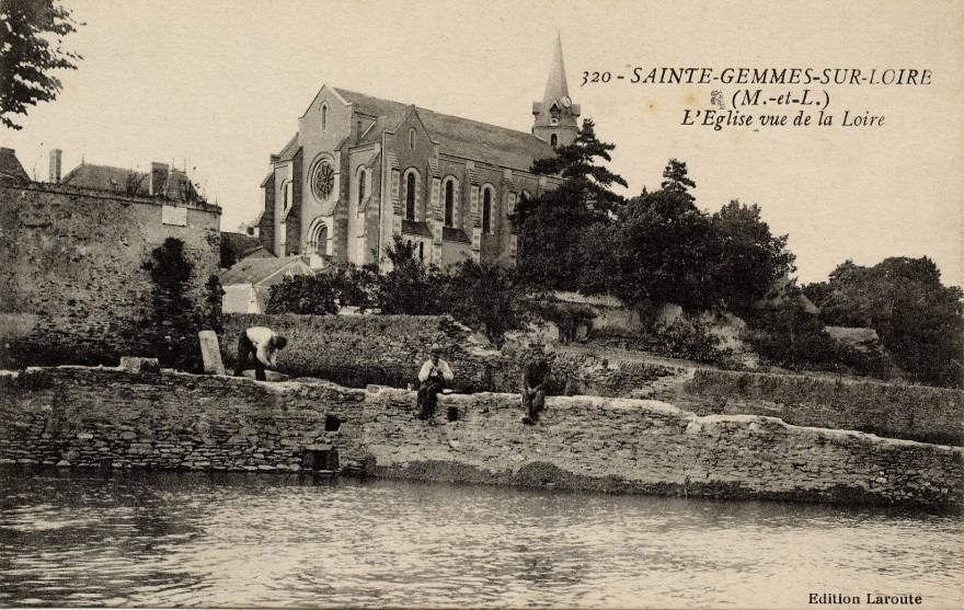 The church was built in the late 12th century and was dedicated to Sainte Gems. It underwent transformations and expansions to its last redesign in 1860.