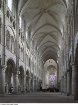 10.5 Laon Cathedral, interior The Mysticism