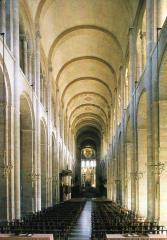 St. Sernin: nave and plan Source: 3 Apocalyptic Christ Moissac,