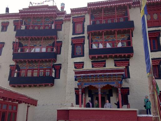 Day 4 This morning we have a tour of the amazing Stok Palace followed by a visit to Stakna Monastery & Sindhu Ghat.