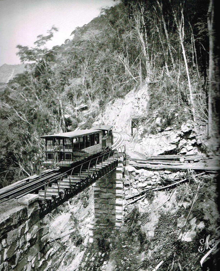 Corcovado railway before 1903 and the addition of electric. In 1906, after a Canadian company, The Rio de Janeiro Tramway, Light & Power Co.