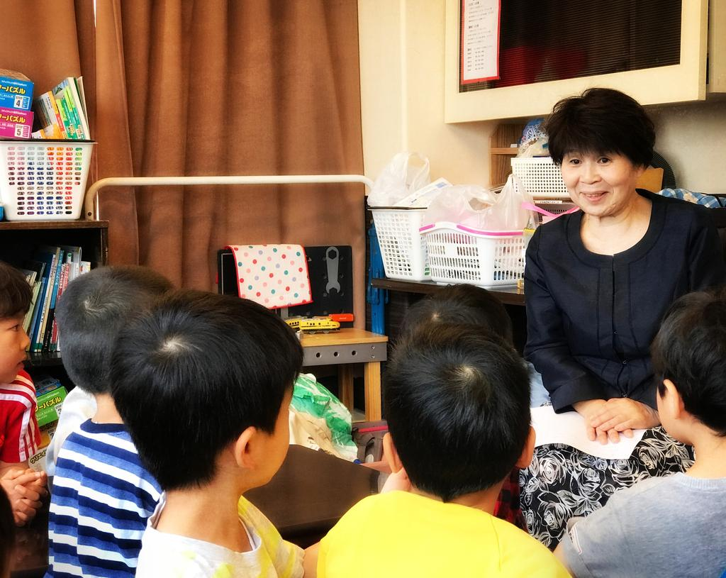 DAYCARE OWNER LEADS 45 TO BAPTISM IN JAPAN ayumi Nagano, 58, is one of the most influential Seventh-day Adventist women in Japan. She nearly died twice before she started school.