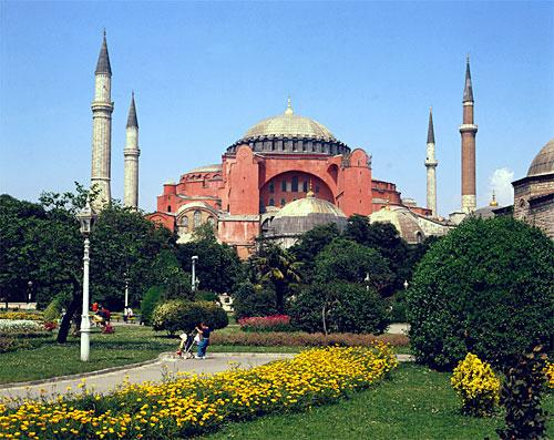 Islamic Architecture: 1453 was the fall of Constantinople to the Ottomans Islamic Architecture