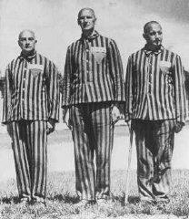 "3 According to information on the Facebook page of ""the great march of the return,"" in preparation for the event the organizers need clothing like the striped suits worn by the inmates of the Nazi"