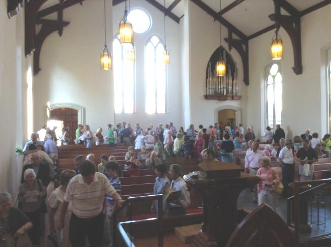 Worship Worship at FPC is many things. It s the glorious ring of the sanctuary at the end of a great hymn well sung, the sound of children s laughter from the steps, water pouring into the font.