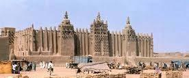 Mali s Golden Age Under Mansa Musa Lead Mali to a Golden Age Commissioned great mosques to be built in Timbuktu, Mali s capital, and other Mali cities.