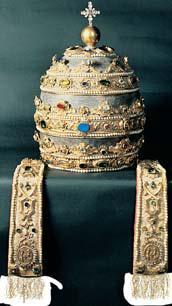 Church Power This jeweled tiara, which a pope would were in a