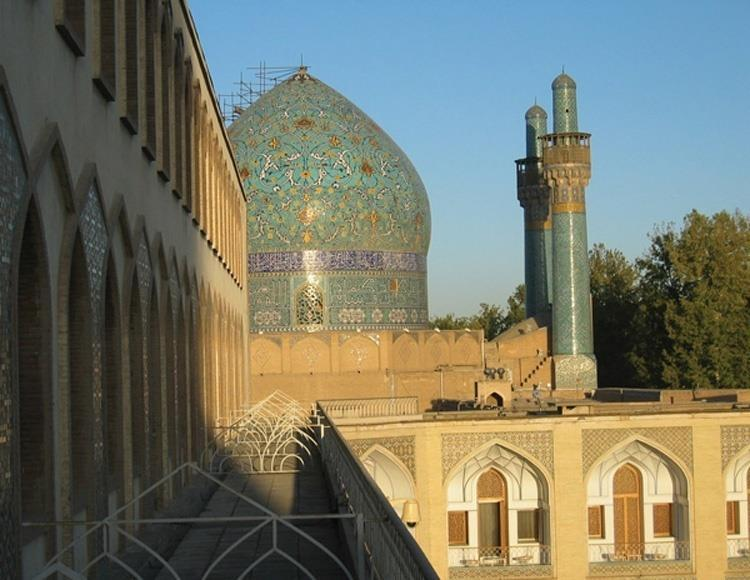 Muslim Mosques: Dome of this mosque in Isfahan, Iran
