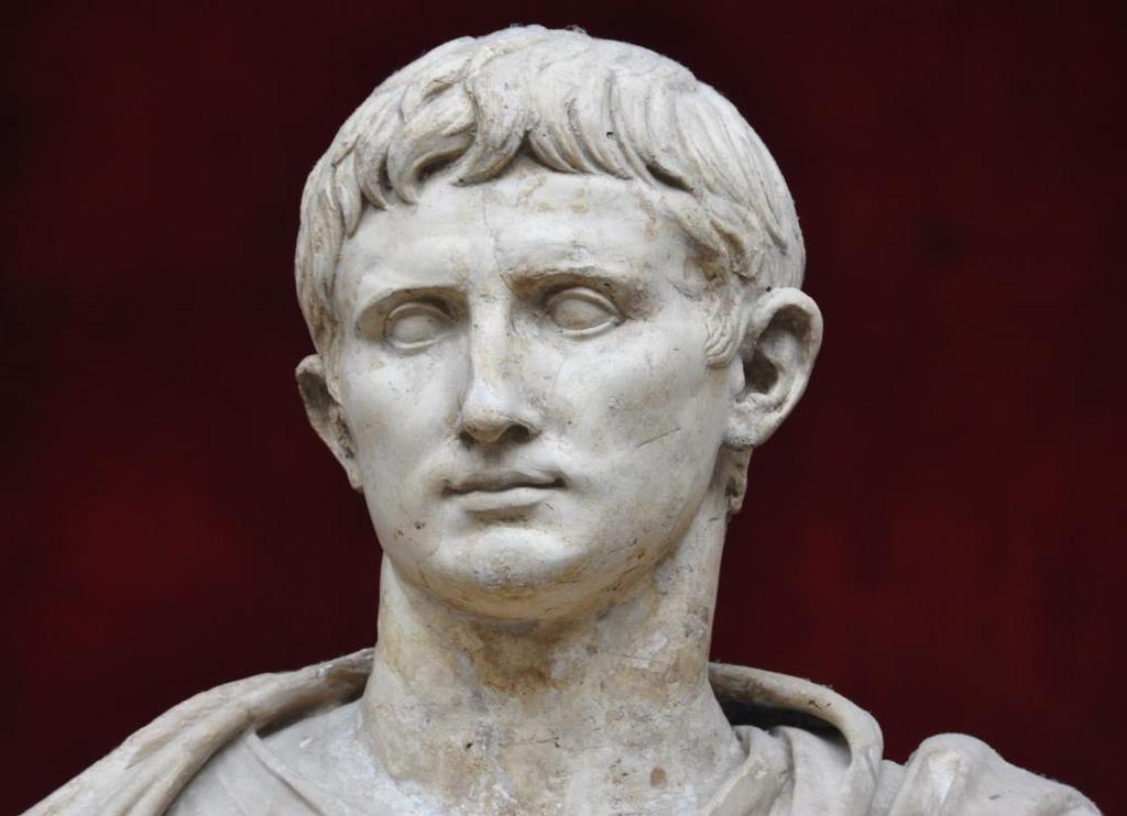 EMPEROR AUGUSTUS (OCTAVIAN) Kept aspects of a republic Became