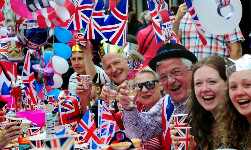 Host a Street Party Create a team include parish council & other local groups Do it in churchyard (or street, but seek permissions) Advertise widely offer lifts Bring and share meal or organise