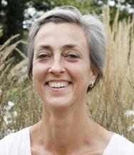 Karen Liebenguth: Mindfulness in nature Active Pause November 2016 Karen is a qualified coach, a Focusing practitioner and an accredited mindfulness teacher.