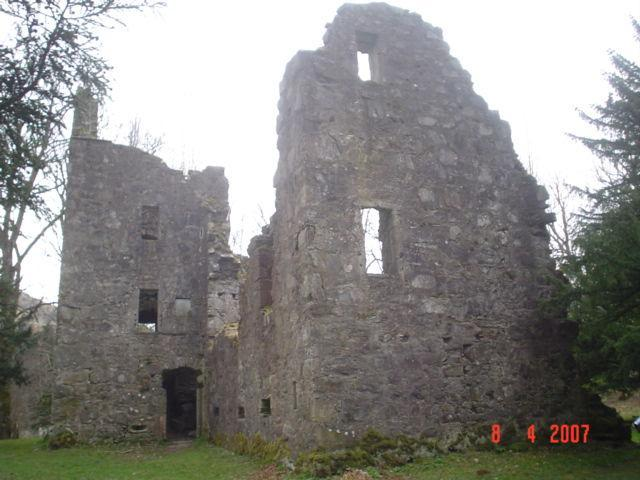 Finlarig Castle Ruins Photo taken from Google Earth Page 6 of 6 David Richard