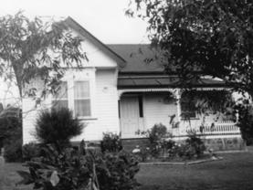 Robert Hutton s house South Road Penguin built 1911 (pictured) In March 1911 it was reported that building operations up the South Road are brisk.