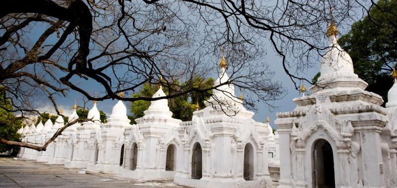 ) Mandalay Hill is another of the city s famous religious sites, crowned by the colourful, beautifully decorated Sutaungpyei Pagoda, but it s also very much a public space popular with locals and
