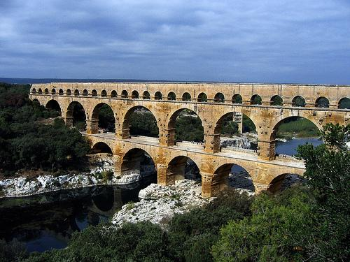 Pont du Gard can supply the city of
