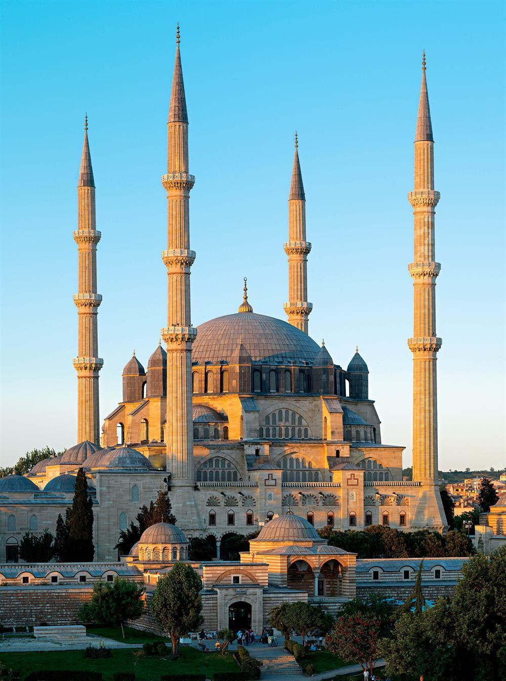 84. Mosque of Selim II Edirne, Turkey Sinan (architect) 1568-1575 CE Brick and stone *Mosque of Selim II plan *Mosque of Selim II Constructed in the architect s favorite city.