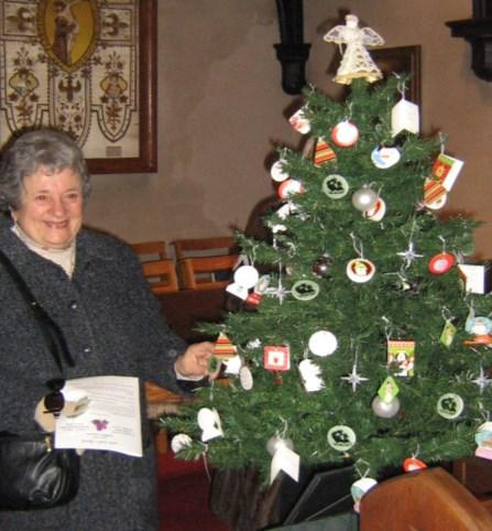 Christmas Giving Tree nnually, Saint Paul s adopts families from Brookfield who are financially A struggling.