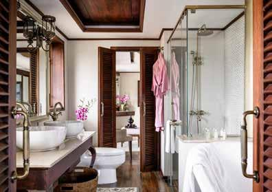 Luxury Suite Bathroom In every suite, lush silks, polished teak and beautiful lacquerware celebrate Myanmar s rich heritage of arts, crafts and textiles and Malaika Egyptian-cotton