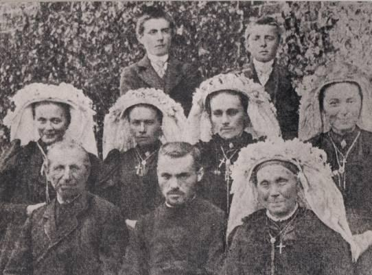 Monsignor Franciscus Hubertus Schraven c.m. * 13 October 1873 at Lottum Limburg. Ordained a Priest at Paris 27 May 1899. Consecrated Bishop in Zhending 10 April 1921. + Zhending 9 October 1937.