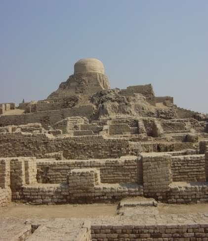 14.1 The Mystery of Mohenjo- Daro On the banks of the Indus River present day Pakistan Layout Below the citadel 9 streets divided