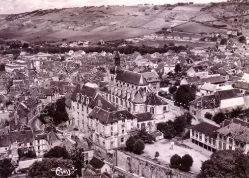 Institute Aerial view of Joigny, church of