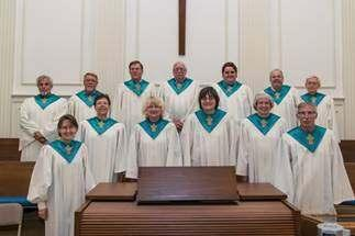 Toccoa Presbyterian at a Glance: Current membership is around 100 members Average worship attendance is around 50. The church currently employs a Music Director, Organist, Secretary and Custodian.