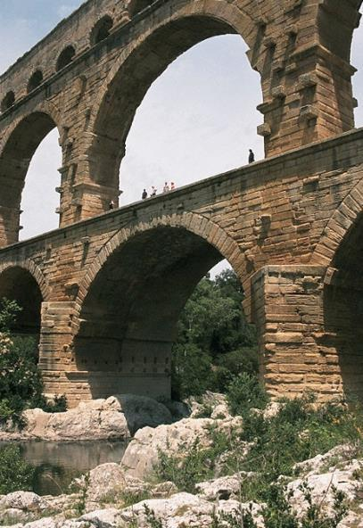 Early Roman Empire Pont-du-Gard, Nimes, France 19 BCE ROMAN AQUEDUCTS The Romans typically built aqueducts to serve any large city in their empire.