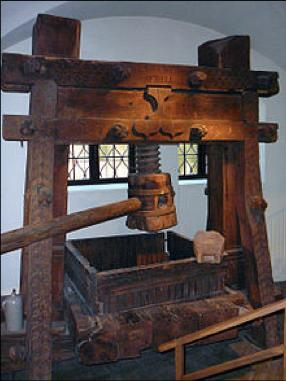 century. This technology along with papermaking diffused to Europe in the 1300 and 1400s.