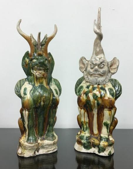 A Pair of Tri-colored (Sancai) Glazed Pottery Earth
