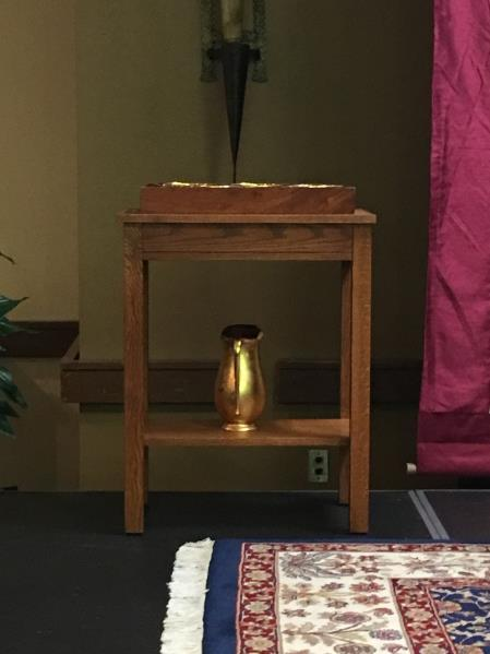 +After all the readings and Fr. s homily, the B team captain will get up and put the tray with ciboria on the altar and the wine flagan (wine pitcher) on the altar.