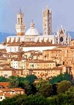 After the tour we will proceed to the Basilica di San Francesco (part of the Franciscan Friary in Siena), where Holy Mass is celebrated. Afterwards, witness the ongoing Eucharistic Miracle of Siena!
