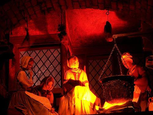 10,000s of supposed witches were executed between 1450 and 1700 a.
