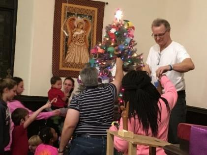 In church, Rachel Pinto and Lisa Grace helped the children understand the story of Christ s birth through the Advent children s moments.