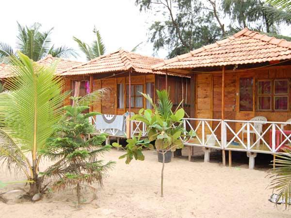 Patnem beach offers you an opportunity to sunbathe uninterrupted and to swim
